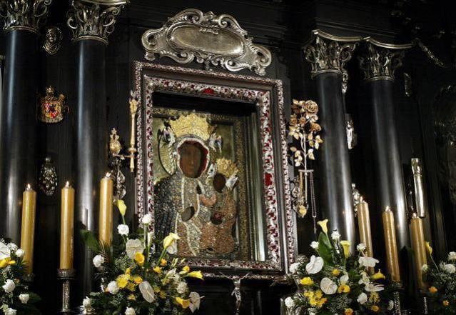 Ołtarz MB Jasnogórskiej w Kaplicy Częstochowskiej