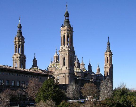 Bazylika w Saragossie Matki Bożej z Pilar_en.wikipedia.org