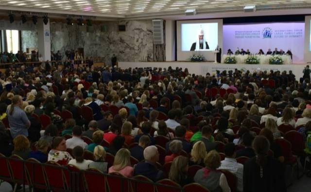 Zdjęcie z konferencji pro-live w Moskiwie 10 września 2014_lifesitenews.com