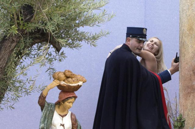 Vatican arrests activist who bared chest in square_news.yahoo.com_AP Photo, File 1