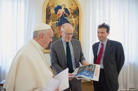Le-pape-Francois-recu-lundi-9-2016-Guillaume-Goubert-C-Sebastien-Maillard-D-pour-entretien-exclusif-accorde-La-Croix_0_730_486