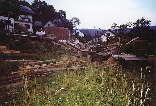 Rozbiórka domu Rodzinnego S.B. Rozalii Celakówny – sierpień 2001